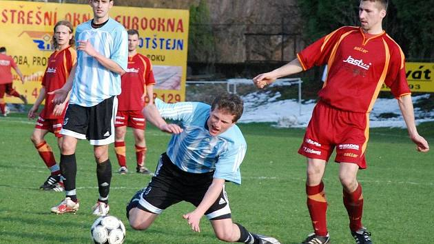 Z utkání krajského přeboru Velešov Doudleby - SK Jičín (0:2).