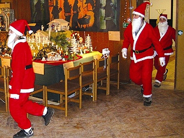 Úprk Santa Clausů se zdařil.