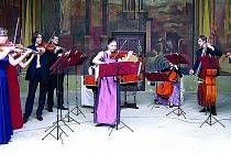 SOUBOR BAROCCO SEMPRE GIOVANE   v těchto dnech hraje pro publikum  na Pyrenejském  poloostrově.