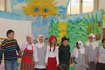Z žáků se stali velice rychle herci.