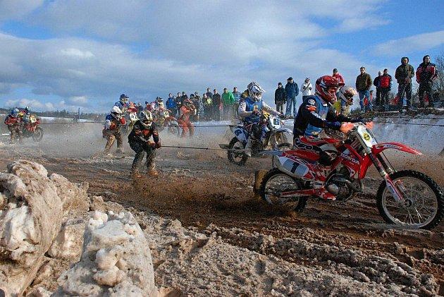 Poslední závod seriálu Mistrovství České republiky v Dobřanech v Orlických horách.