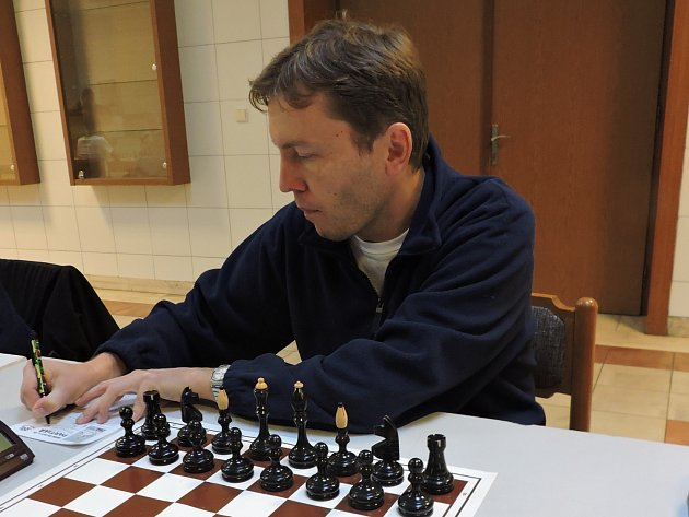 Petr Kačírek před zahájením partie.