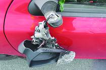 Motorkář od nehody ujel
