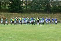 UTKÁNÍ prvního kola Poháru OFS Rychnov na hřišti v Dobrém skončilo po devadesáti minutách hry 1:1 a na řadu přišly penalty, v nichž domácí fotbalisté zdolali hosty z Křovic 5:3.