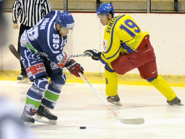 Z hokejového utkání Hronov - Semechnice