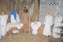 V hostinci U Karla IV. ožil na Štědrý den betlém. Návštěvníky přilákala do Záměle také možnost odnést si domů betlémské světlo, které zdejší pořadatelé rozdávají již dlouhou řadu let
