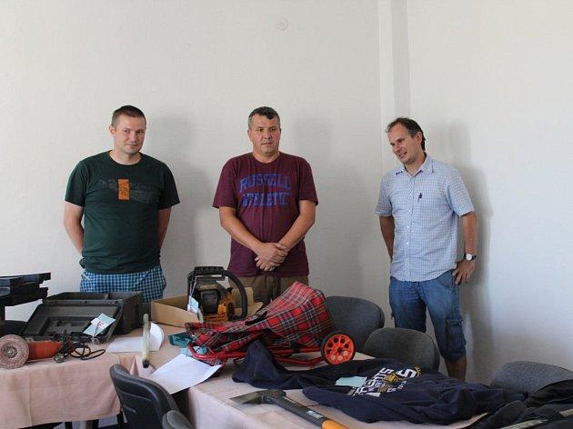 """Muž, který o sobě tvrdí, že je """"novodobý Jánošík"""", ukradl věci za čtvrt milionu."""