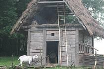 Archeologické dny středověkých technologií v Centru experimentální archeologie  Villa Nova v Uhřínově pod Deštnou.