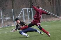 DESET GÓLŮ vstřelili fotbalisté Solnice do sítě Přepych v utkání druhého kola zimního turnaje v Černíkovicích.