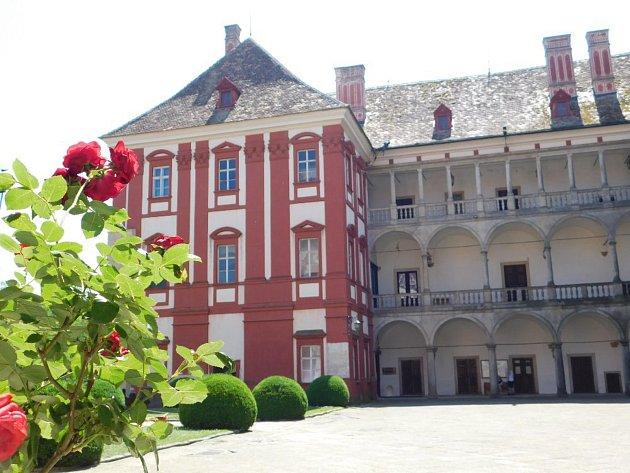 Královna květin provoní zámek Opočno.
