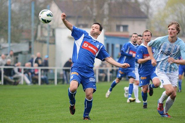 Fotbalisté Týniště se v derby s Náchodem budou spoléhat na střelecké schopnosti Martina Mergance.