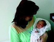 DOMINIK TOŠOVSKÝ: Rodiče Gabriela Bydžovská a Jaroslav Tošovský z Dobřan mají radost z narození prvního syna Dominika, který přišel na svět 8. 6. v 15.19 hodin (3,64 kg a 53 cm). Tatínek byl u porodu a zvládl to skvěle.