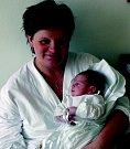 JAN GABRIŠKO: Rodiče Hana Kohoutová a Martin Gabriško ze Skuhrova nad Bělou mají radost z narození  prvního syna Honzíka. Narodil se 5. 6. v 16.44 hodin (3,67 kg a 52 cm). Tatínek byl u porodu mamince velikou oporou.
