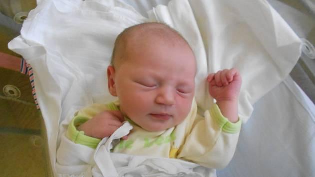 Antonie Klimešová přišla na svět 18. června 2020 v 5:48 hodin, měřila 50 cm a vážila 3350 g. Těšili se na ni Kristýna a David Klimešovi z Petrovic a také bráška. Tatínek byl u porodu oporou.