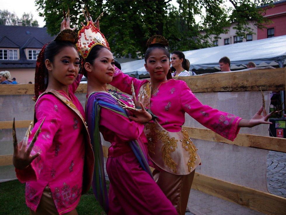 Folklorní festival v Dobrušce