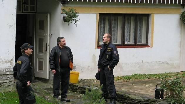 Preventivní akce Policie České republiky: kontrola, při které se prověřuje zajištění objektů proti násilnému vniknutí.
