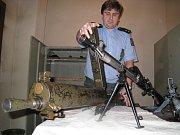 Mezi pistolemi, které přinesli občané při letošní amnestii, nechybí ani legendární pistole Jamese Bonda. Walther PPK (Polizeipistole Kriminal) se začala používat od roku 1931.