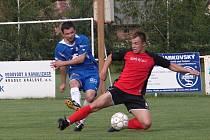 Jedenáct gólů vstřelil v podzimní části krajského fotbalového přeboru útočník Týniště nad Orlicí Martin Merganc (na archivním snímku vlevo při střelbě).