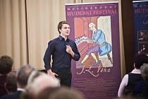 Neutuchající potlesk zněl po nedělním koncertě Petra Nekorance sálem novoměstského zámku.