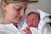 TOBIÁŠ. Rodiče Pavlína Piknerová a Martin Brandejs z Náchoda přivítali prvního potomka, syna. Tobiáš se narodil 26. 8. v 16.56 hodin, měřil 51 centimetrů a vážil 3,37 kilogramů. Rodiče dopředu věděli, že se jim narodí kluk a nemohli se dočkat.