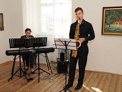 Vernisáž doprovodilo i hudební vystoupení.