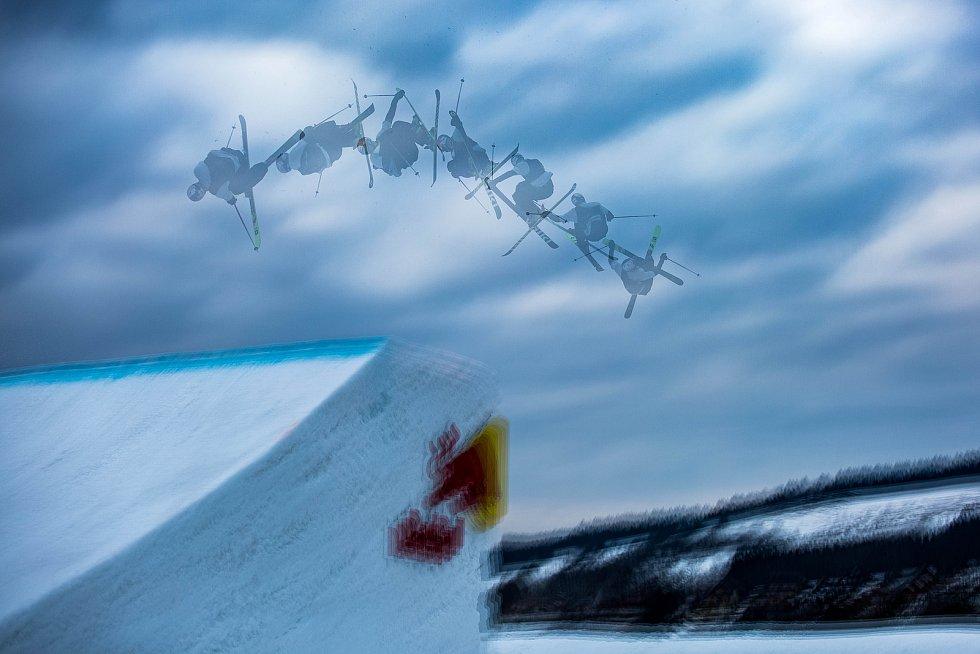 Free ski závody Soldiers v Deštném v Orlických horách.