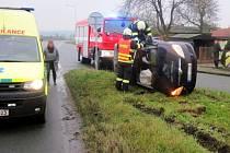 Dopravní nehoda dvou osobních automobilů v Dobrušce.