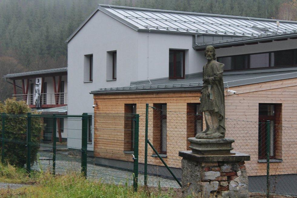 Pivovar v Olešnici v Orlických horách zahájil provoz v srpnu 2019, 150 let poté, co tu vznikl původní pivovar (dnes nestojí).