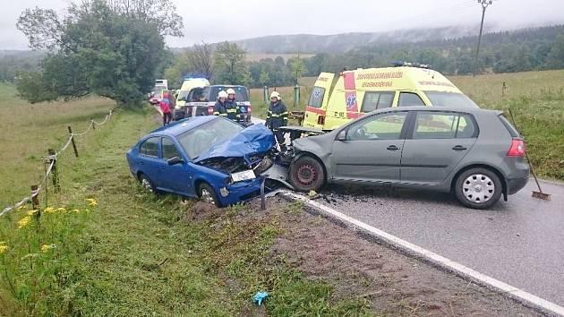 Dopravní nehoda v Deštném v Oh.