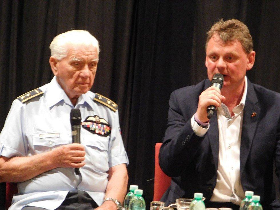 Generál letectva Emil Boček.
