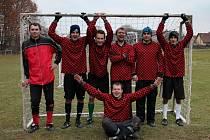 Vítězové Lhota cupu 2012 – tým Lhoty. Stojící zleva: Lukáš Lohniský, Daniel Faltys, Jan Potoček, David Rešl, Milda Andrys a Michal Faltys. Sedící: Petr Jakubec.