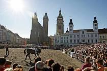Obdiv sklidili koně, ale také kočáry a dobové kostýmy