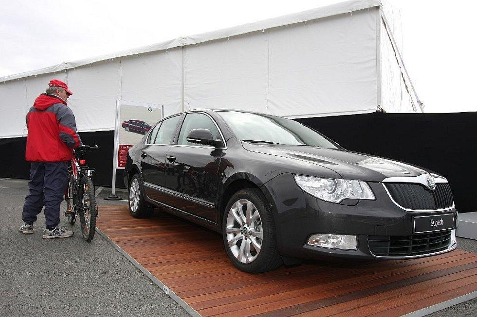 Superb dny v Kvasinách (Rychnovsko) - představení nového vozu Škoda Superb veřejnosti.