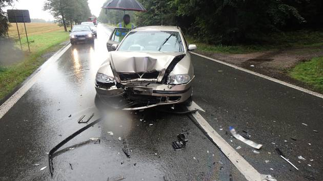 Při nehodě se zranili tři lidé