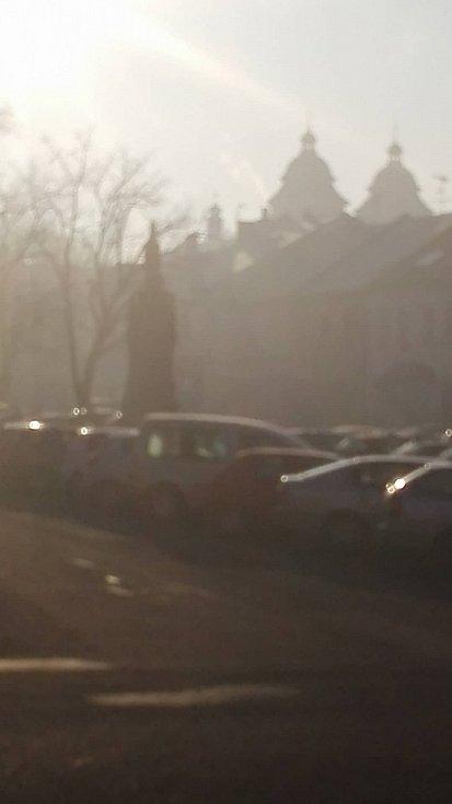 V Kostelci hořelo v továrně na brzdová obložení
