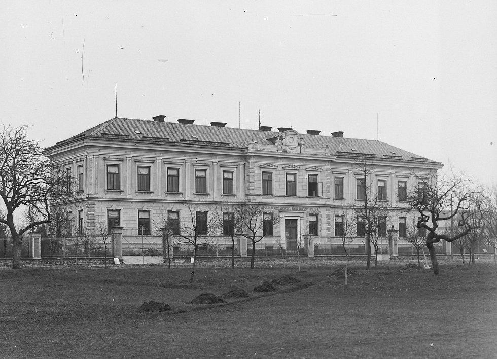 Rychnovská nemocnice na dobovém snímku