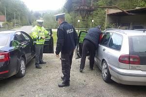 Policie zachytila dalšího piráta silnic, byl pod drogami.