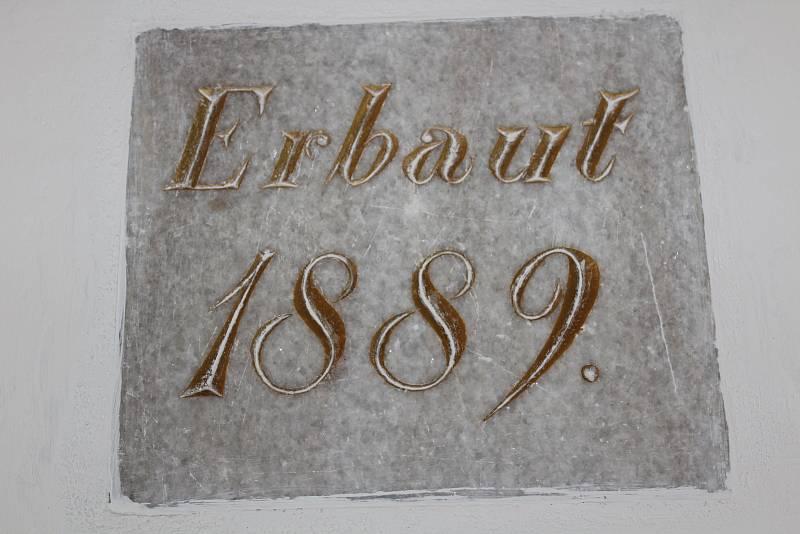 Škola v Orlickém Záhoří byla vystavěna v roce 1889.