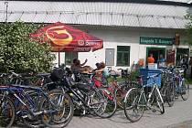 V HOSPODĚ U HOTMARŮ v Doudlebách nad Orlicí byla jedna ze zastávek cyklistického výletu Šumné Orlice v loňském roce.