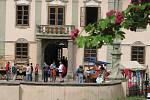 Dnes už téměř zapomenutá řemesla bylo možné vidět na nádvoří potštejnského zámku.