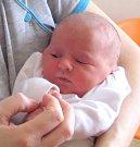 TEREZA PLÍŠTILOVÁ: Manželé Renata a Petr Plíštilovi z Černíkovic přivedli na svět dceru. Holčička se narodila 21. 1. ve 4.23 hodin s váhou 3,1 kg a délkou 50 cm. Doma se na sestřičku těšili Štěpán a Marek. Tatínek to u porodu zvládal skvěle.