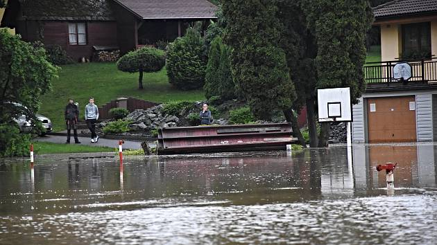 V Tutlekách povodně zaplavily 30 bytů.