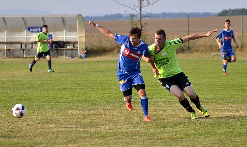 Druhé vítězství si v krajské I. A třídě připsali na konto fotbalisté SK Týniště nad Orlicí po výhře 3:2 v Nepolisech.