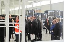 Svého slavnostního uvedení do provozu se dočkala nová hala v logistickém areálu v Lipovce.