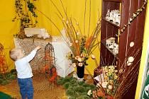 Areál sokolovny a přilehlé zahrady zaplní řemeslníci a prodejci z mnoha koutů republiky. Opět bude k vidění řada ukázek nejen velikonočního tvoření