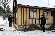 Policisté z Rokytnice na kontrole chat a chalup.