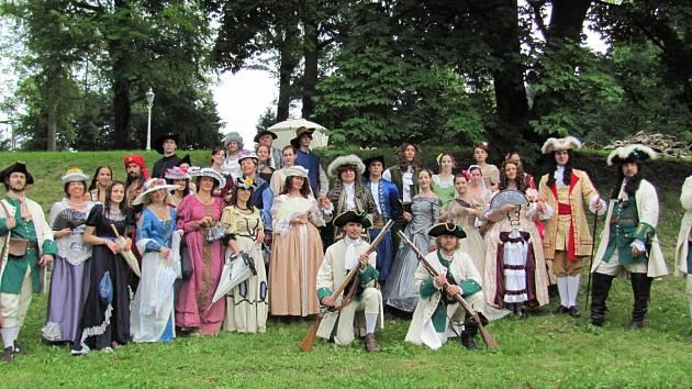 Potštrejnské slavnosti v Potštejně provázely postavy v kostýmech a také zajímavý program.