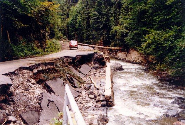Ničivá povodeň na Rychnovsku v roce 1998.