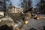 Zničený historický plot v Rychnově nad Kněžnou