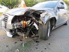 Dopravní nehoda osobního a nákladního automobilu v Kostelci nad Orlicí.